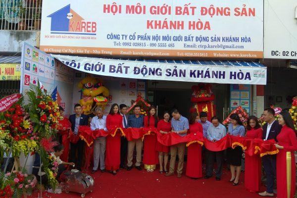 Lễ cắt băng khai trương văn phòng Hội môi giới bất động sản Khánh Hòa